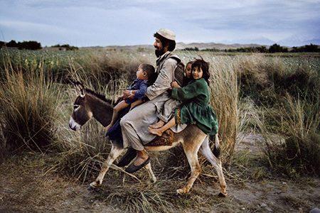 la foto di Steve McCurry Maimana, Afghanistan, 2003
